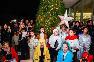 Christmas-tree-lighting-event