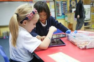 elementary-students-using-Ipads