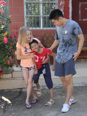 service-learning-the-Bright-Connection-Hainan