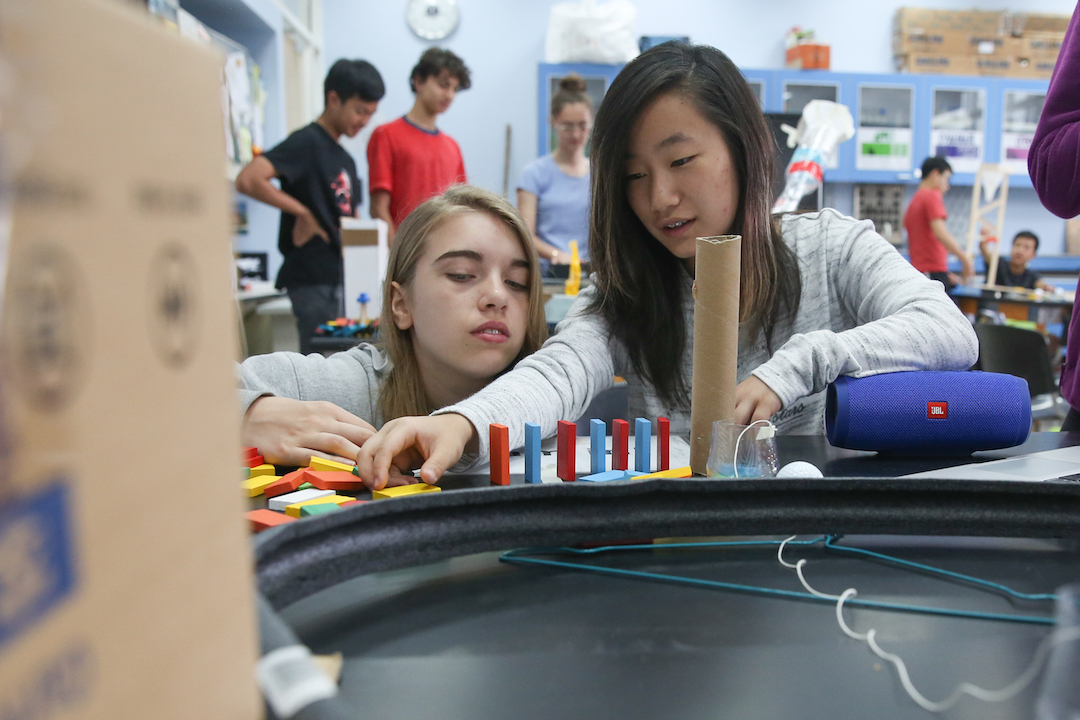 Concordia-MS-students-work-together-in-purpose-built-makerspace